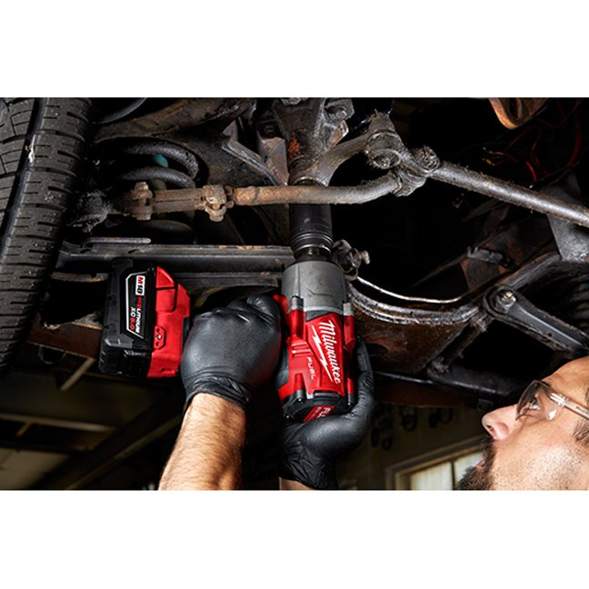 Milwaukee 2767-20 M18 FUEL High Torque Impact Wrench with Friction Ring 2