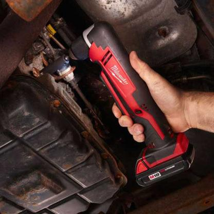 Milwaukee 2615-20 M18 Cordless Right Angle Drill In Use 3