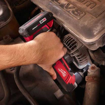 Milwaukee 2615-20 M18 Cordless Right Angle Drill In Use 4