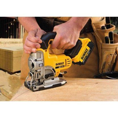 DeWalt DCS331B 20V Jig Saw In Use 2
