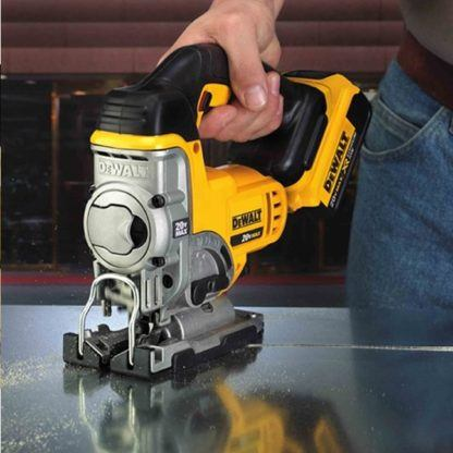 DeWalt DCS331B 20V Jig Saw In Use 3
