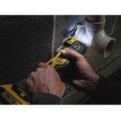 DeWalt DCS355B 20V Oscillating Multi-Tool In Use 3