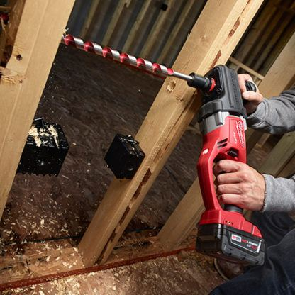 Milwaukee 2708-20 M18 FUEL HOLE HAWG Right Angle Drill In Use 3
