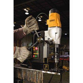 DeWalt DWE1622K 2-Speed Magnetic Drill Press In Use 1