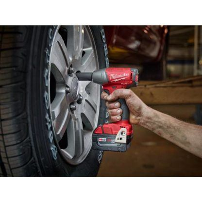 Milwaukee 2754-20 M18 FUEL Compact Impact Wrench In Use 3