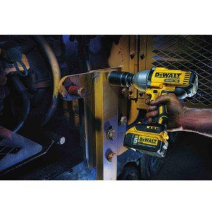 DeWalt DCF899B 20V MAX XR Brushless Impact Wrench In Use 2