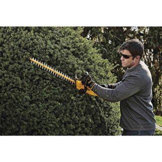 DeWalt DCHT820P1 20V MAX Hedge Trimmer Kit In Use 2