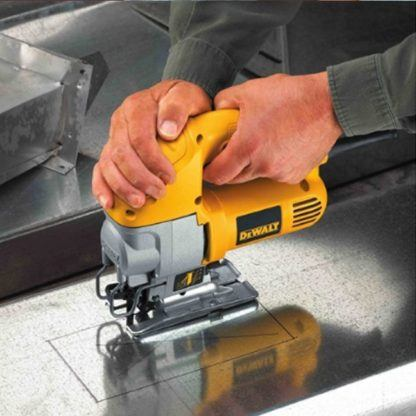 DeWalt DW317K Top-Handle Jig Saw Kit 4