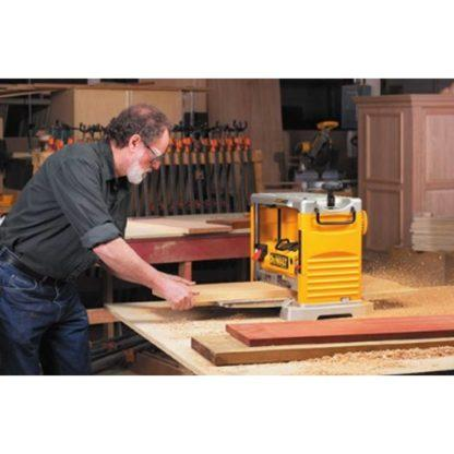 DeWalt DW734 Thickness Planer with Three Knife Cutter-Head 2