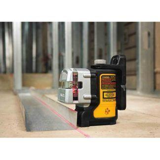 DeWalt DW089K Self-Leveling 3-Beam Line Laser Kit In Use 2
