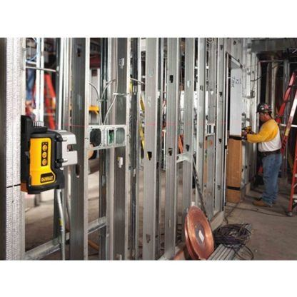 DeWalt DW089K Self-Leveling 3-Beam Line Laser Kit In Use 4