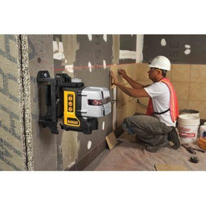 DeWalt DW089K Self-Leveling 3-Beam Line Laser Kit In Use 6