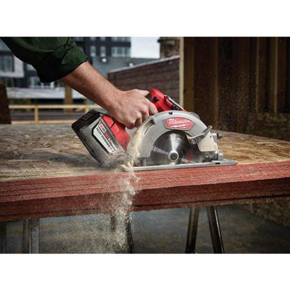 Milwaukee 2731-22HD M18 FUEL Circular Saw High Demand Kit In Use 1