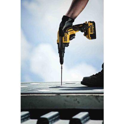 DeWalt DCF622B 20V Max XR Adjustable Torque Screwgun In Use 4