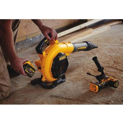 DeWalt DCBL770X1 Flexvolt 60V Max Handheld Blower Kit 3